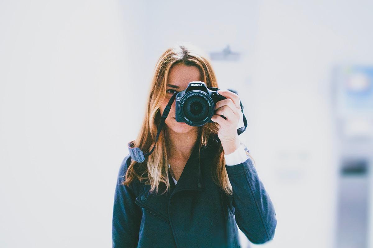 【初心者必見】カメラを買ったら一緒に揃えたいおすすめアイテム6選!