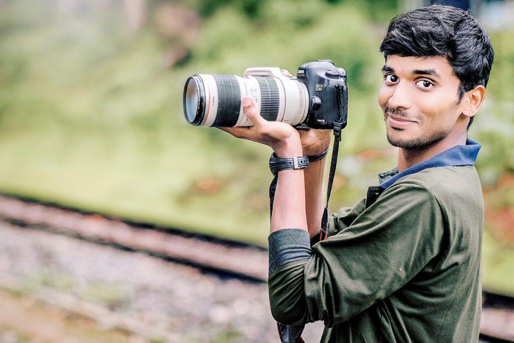 インド人カメラマン