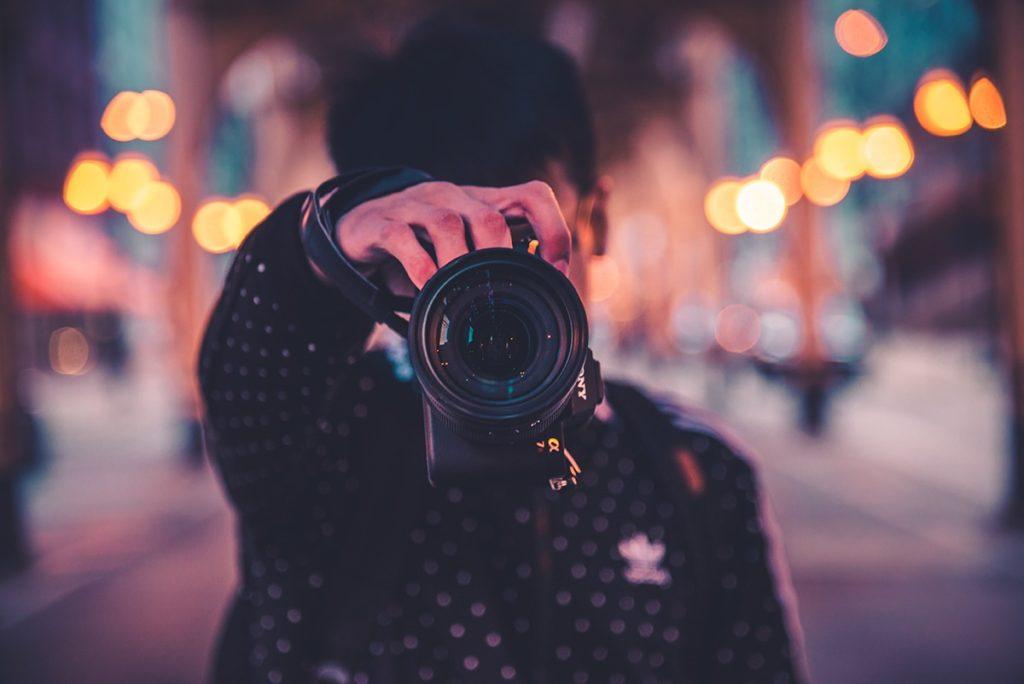 夜景撮影では、シャッタースピードを遅くせよ